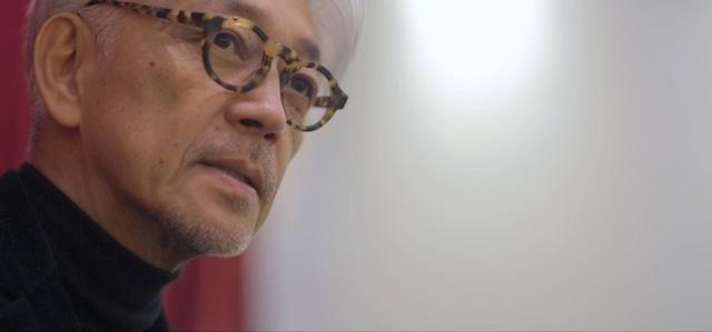 映画「DUMB TYPE 高谷史郎―自然とテクノロジーのはざま」より、坂本龍一。
