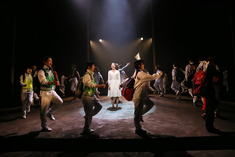 音楽劇「夜のピクニック」初演より。(撮影:刑部アツシ)