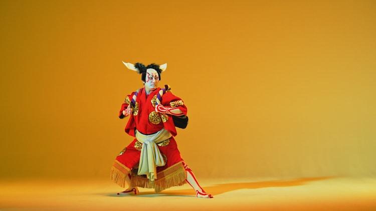 「KABUKI NECK DANCE」より。