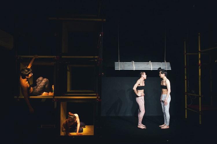 劇団女体盛り 第8回公演「ゴキブリ」より。