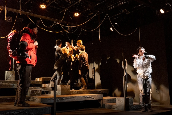 オレンヂスタ 第9回公演「黒い砂礫」より。(撮影:羽鳥直志)