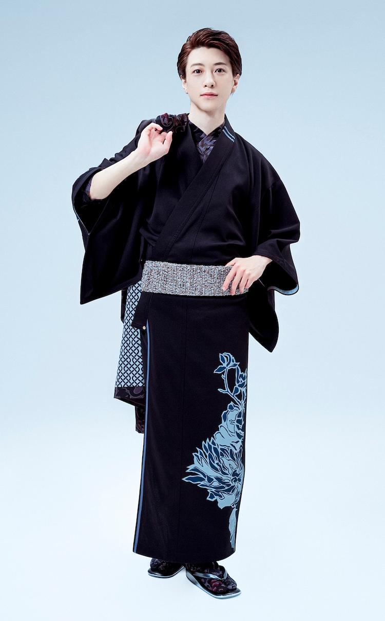 """JOTARO SAITOの""""キモノ""""をまとう鈴木拡樹。(photo by TRMN)"""