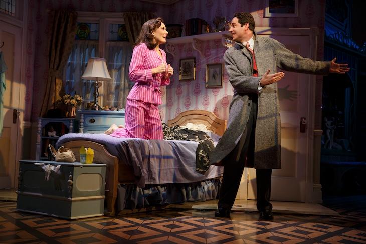 ミュージカル「シー・ラヴズ・ミー」より。(c)BroadwayHD/松竹 (c)Joan Marcus