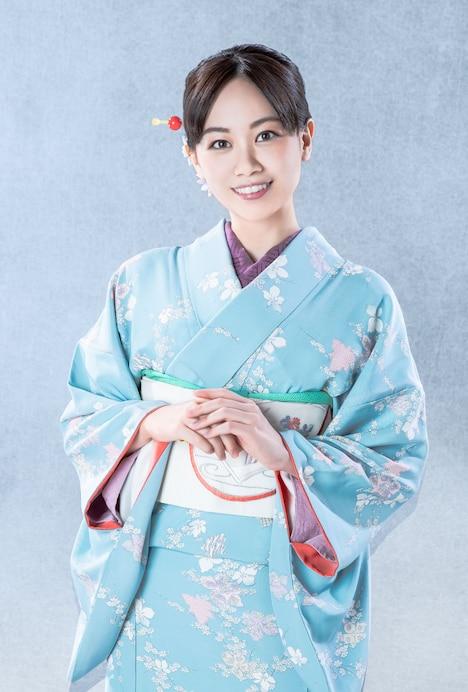 伊藤優衣扮するお菊。