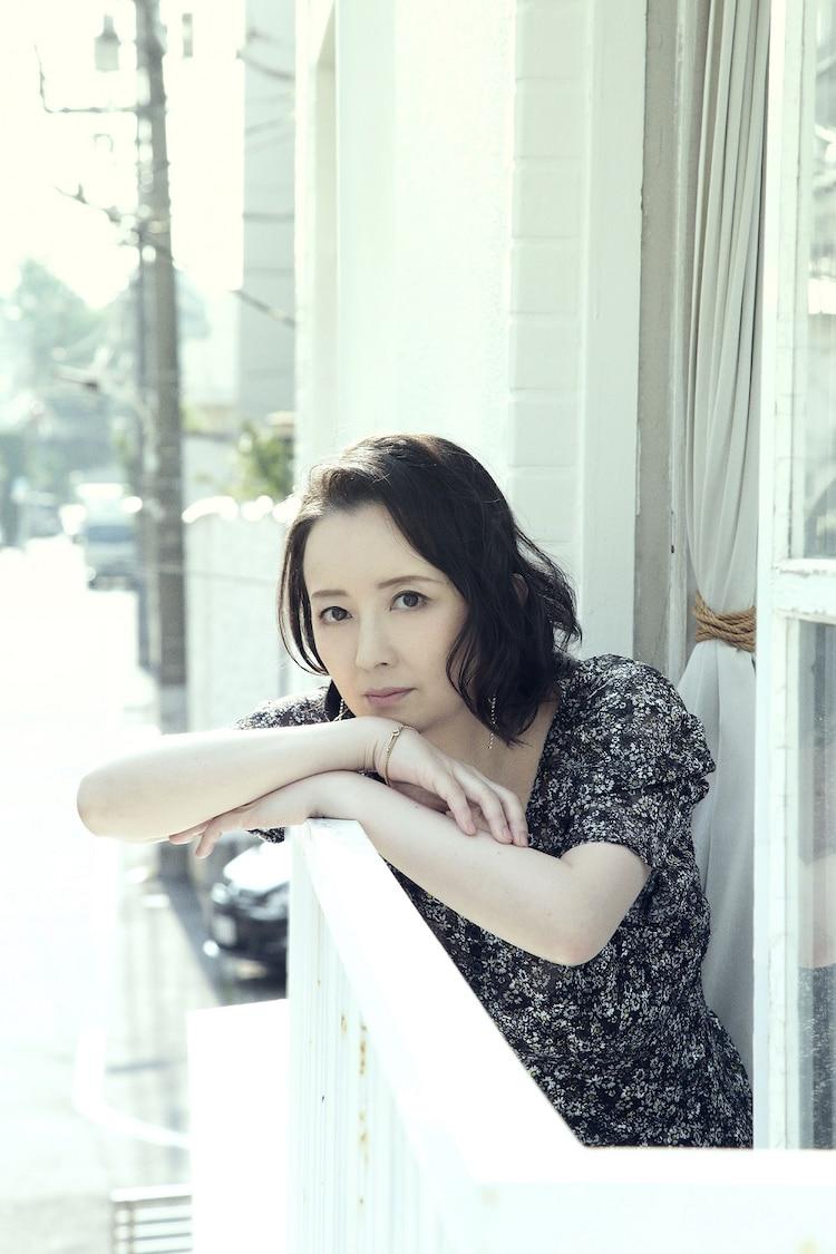 高橋由美子のビジュアル。