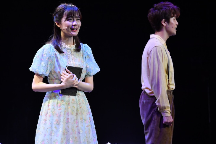 「Happily Ever After」より。(写真提供:東宝株式会社演劇部)