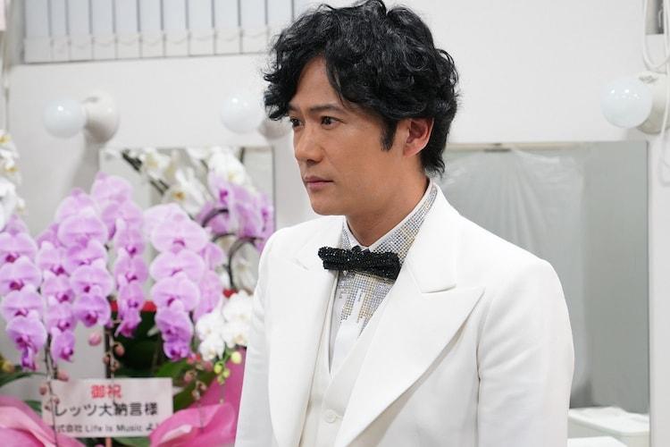 稲垣吾郎演じるレッツ大納言。