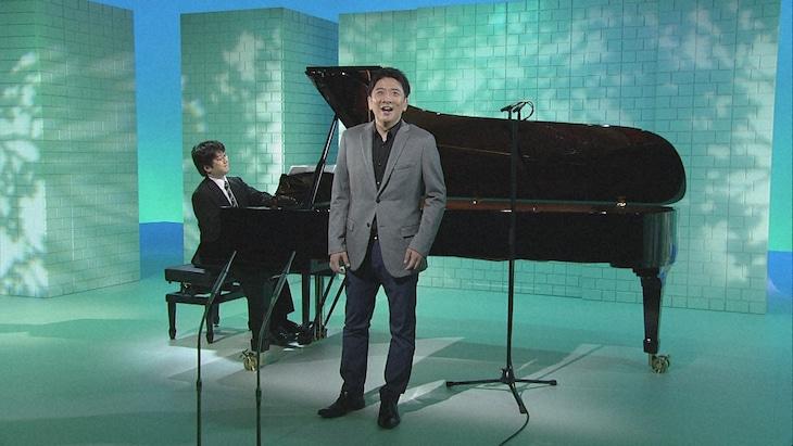 「ららら♪クラシック『カウンターテナーの魅力~可能性無限大の歌声~』」より。(写真提供:NHK)