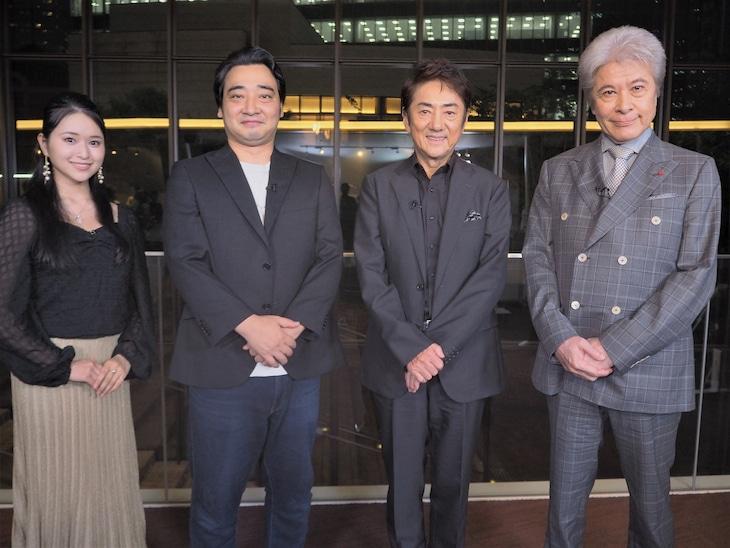 左から小南満佑子、ジャングルポケットの斉藤慎二、市村正親、鹿賀丈史。