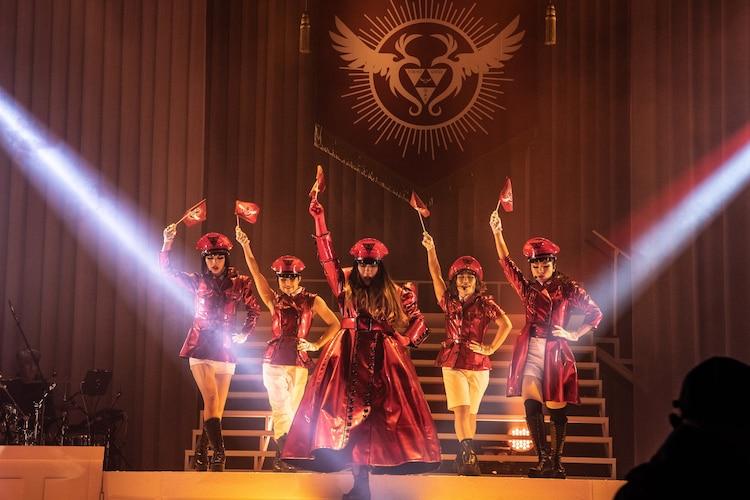 PARCO produce「東京ゲゲゲイ歌劇団 vol.IV『キテレツメンタルワールド』」公開舞台稽古より。(撮影:ARISAK)