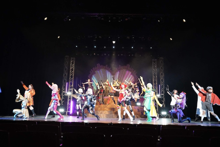 舞台「キューティーハニー The Live〜秋の文化祭~」より。