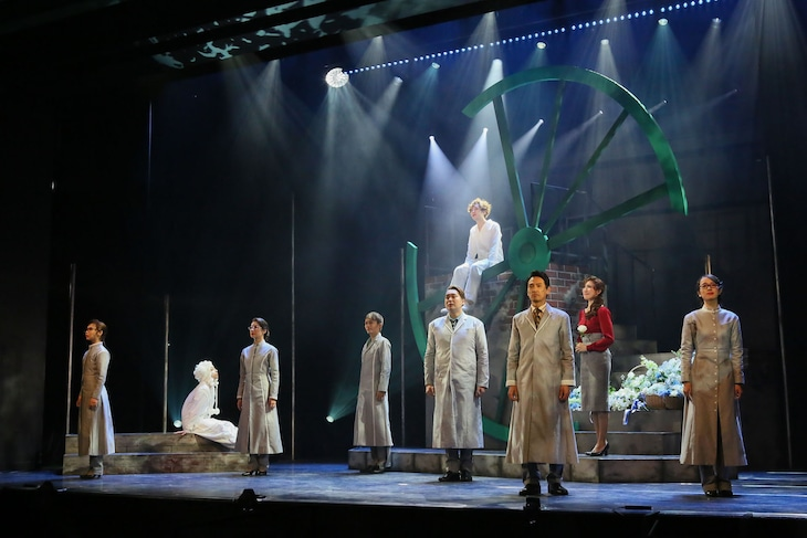 ミュージカル「アルジャーノンに花束を」公開舞台稽古より。(撮影:宮川舞子)