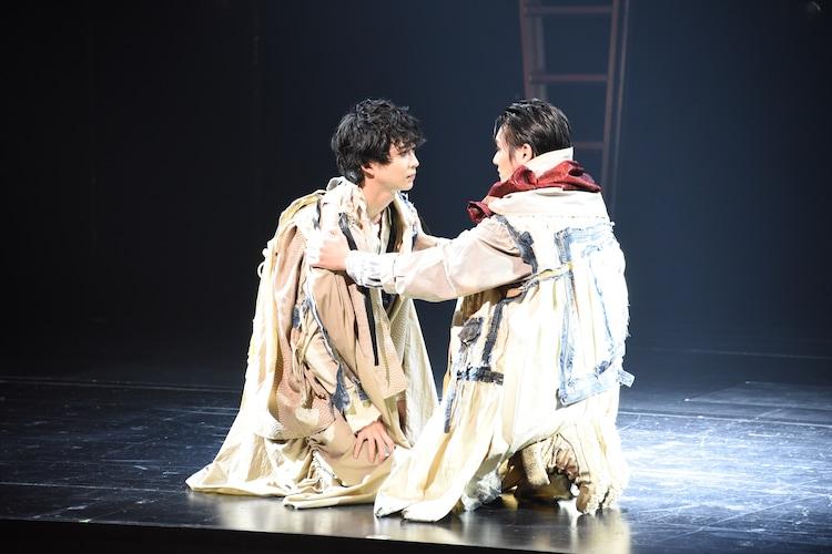KAAT神奈川芸術劇場プロデュース「オレステスとピュラデス」フォトコールより。