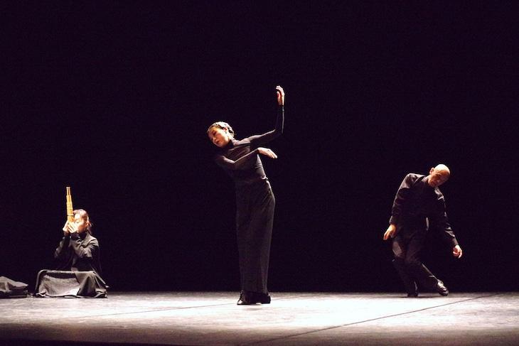 「調べー笙とダンスによる」初演の様子。(c)TheaterX