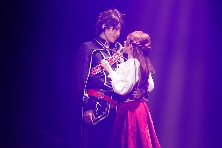 「イケメン王子 美女と野獣の最後の恋 THE STAGE ~Beast Leon~」より。