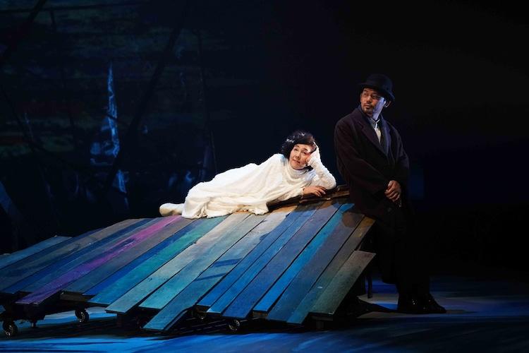 KAAT神奈川芸術劇場プロデュース「音楽劇『銀河鉄道の夜2020』」より。(撮影:中村彰)