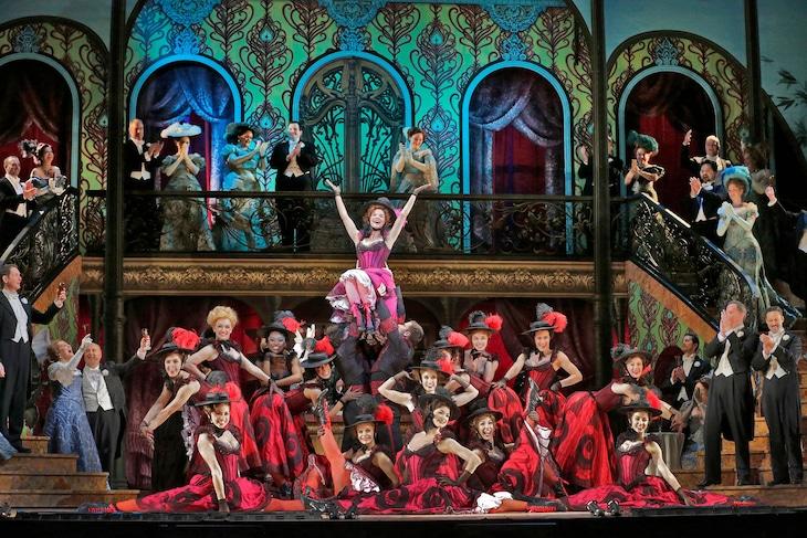「レハール《メリー・ウィドウ》(2014-15シーズン)」より。(c)Ken Howard/Metropolitan Opera