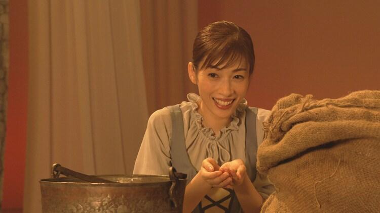 NHK Eテレ「おはなしのくに 明日海りお×『シンデレラ』(グリム童話)」より。(提供:NHK)