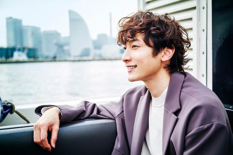 オンラインツアー「俳優 小関裕太と行く!横浜オンラインデート」より。