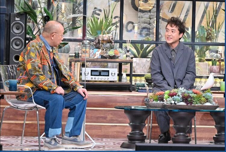 左から笑福亭鶴瓶、ムロツヨシ。(c)TBS