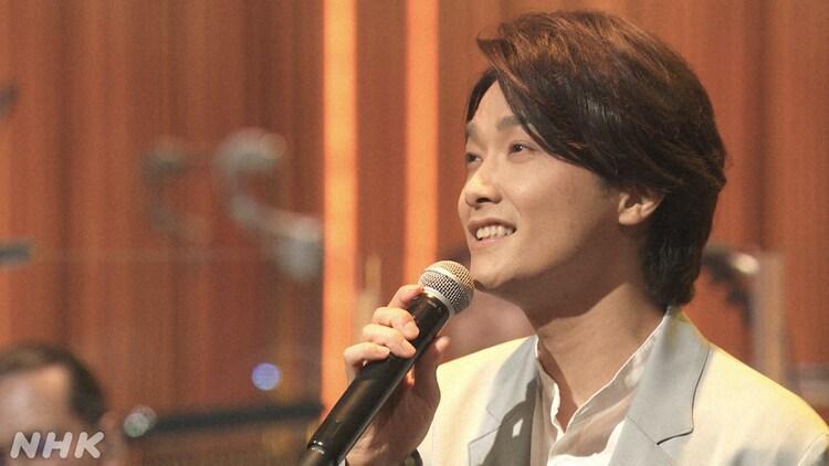 NHK BSプレミアム「映画音楽はすばらしい!II」より、井上芳雄。(写真提供:NHK)