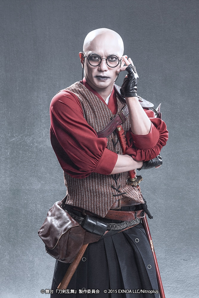 伊藤教人扮する望月六郎。