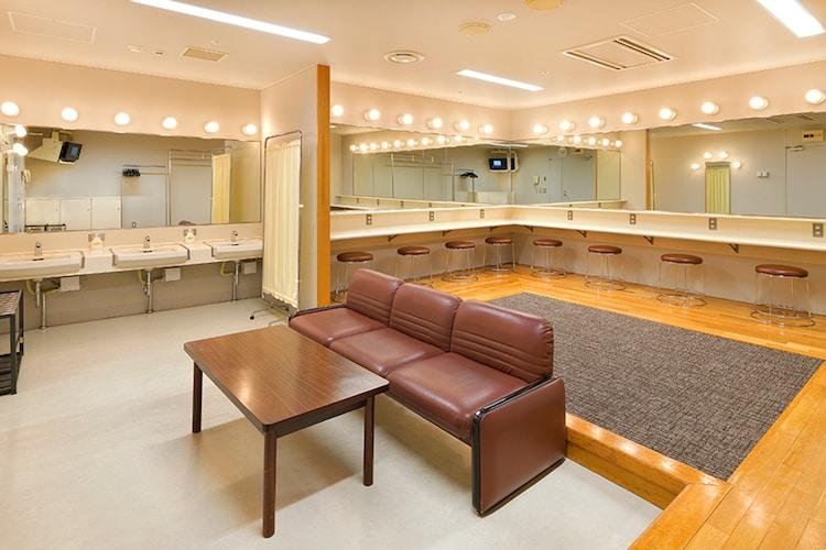 愛知県芸術劇場の楽屋の様子。(c)愛知芸術文化センター