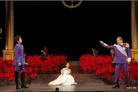 彩の国シェイクスピア・シリーズ第37弾「終わりよければすべてよし」より。(撮影:渡部孝弘)