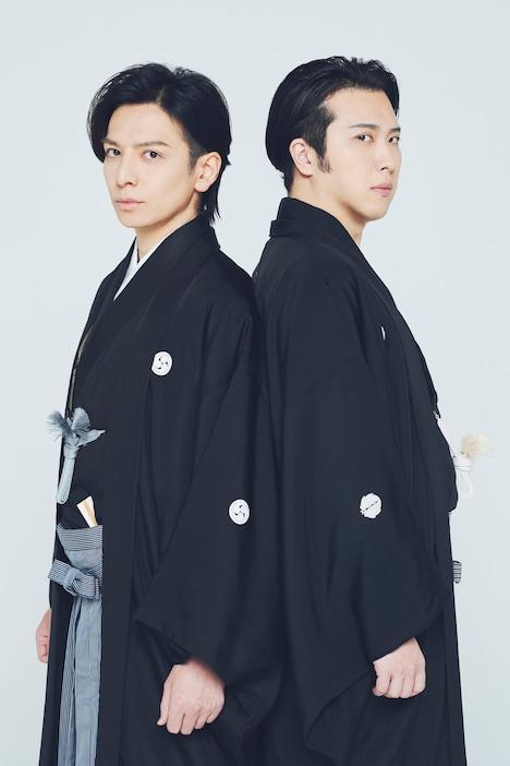 左から生田斗真、尾上松也。