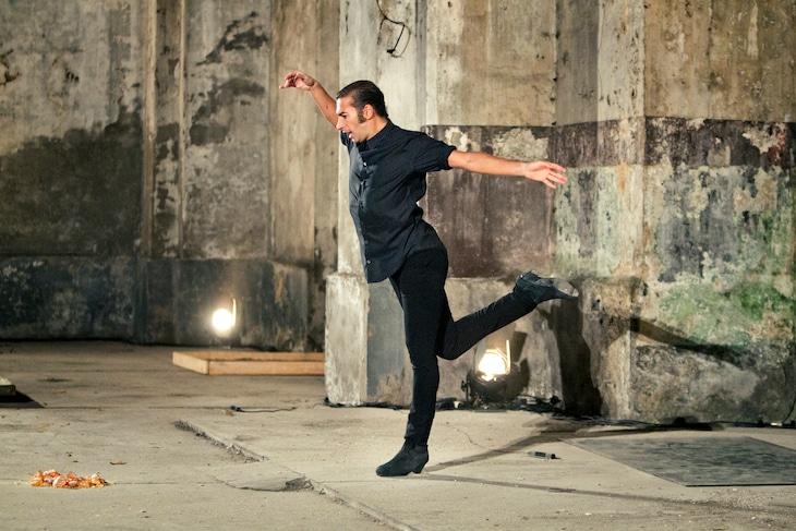 イスラエル・ガルバン(写真提供:Dance Base Yokohama)(c)Luis Castilla