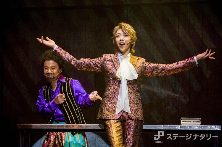 音楽劇「GREAT PRETENDER グレートプリテンダー」より。(撮影:桜井隆幸)