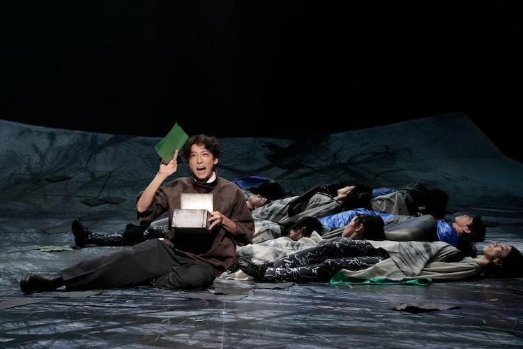 NODA・MAP 第24回公演「フェイクスピア」より。(撮影:篠山紀信)