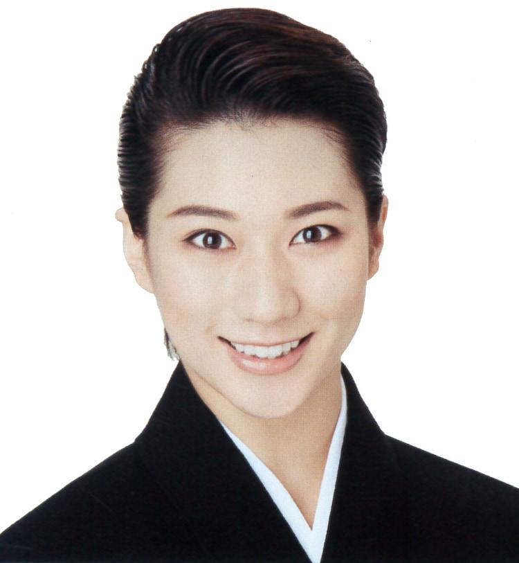 縣千(c)宝塚歌劇団