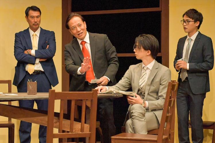 ナイスコンプレックスプロデュース #6「12人の怒れる男」大阪Aチームの公演より。(撮影:鏡田伸幸)
