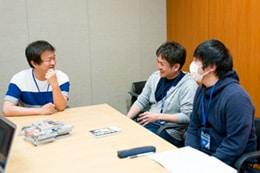 左から稲垣理一郎、村瀬克俊、及川大輔。