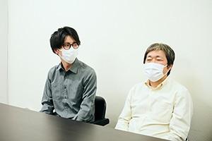 左から白泉社の「セスタス」担当編集者?村松友貴氏、川瀬敏文監督。