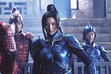 ジン・ティエン演じるリン・メイ司令官(右端)。