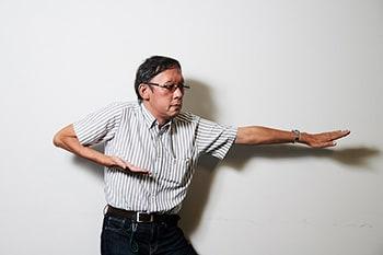 奥村勝彦氏