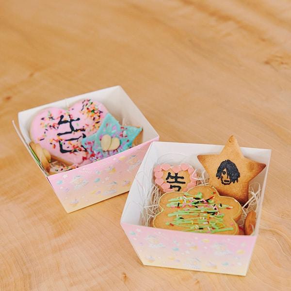 小箱にクッキーを入れて完成!