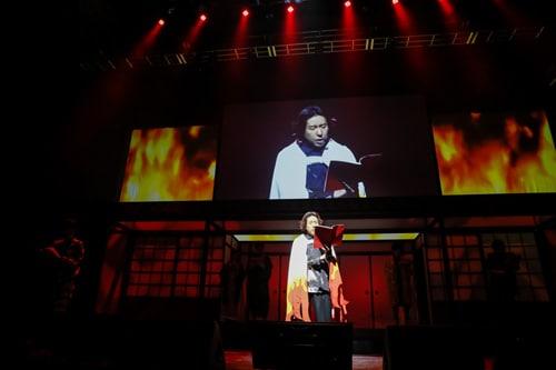 日野聡演じる煉獄杏寿郎が登場すると、客席は興奮の渦に包まれた。