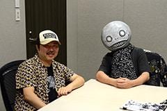 左から太田垣康男、ヨコオタロウ。