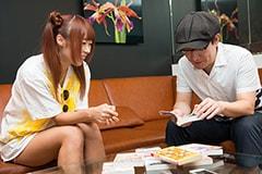 話が盛り上がる成瀬瑛美と小田真琴。