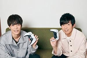 PlayStation?5で遊んでみて、コントローラーに感動したという2人。