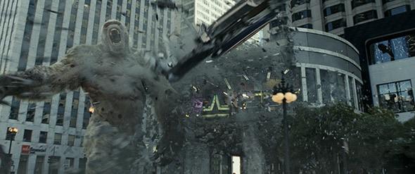 映画「ランペイジ 巨獣大乱闘」より。街が破壊されていく様子がCGで綿密に描写されている。