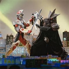 1993年から94年にかけて放送された特撮番組「電光超人グリッドマン」。