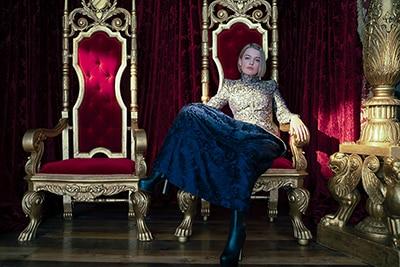 タルーラ・グレイヴェ演じる王女グウェン。