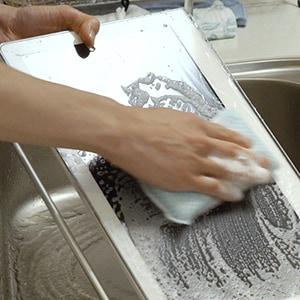 「プライベート・ビエラ 15TD8」は、薄めた中性洗剤を使って食器同様に洗うことが可能。