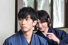 左から市川知宏、小関裕太。