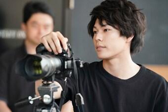 「フィルムに宿る魂」より、飯山裕太演じる本田日向。