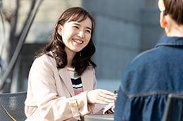 「百合だのかんだの」より、小島藤子演じる二宮海里。